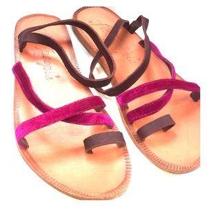 Free People Capri Velvet Strappy Sandals! Size 9